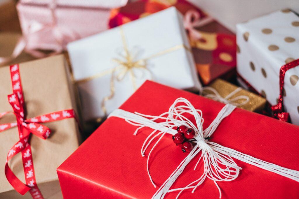 idealny-giftbox-swiateczny-dla-pracownika-1024x683 Świąteczny giftbox dla pracownika - przepis na prezent idealny